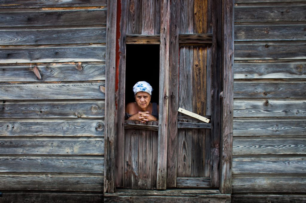 stylianos papardelas cuba in transition 2014 travel traveling documentary color travel 16